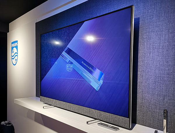 Philips_OLED854_3_jan2019.jpg